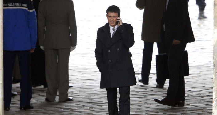 Premier Francji Manuel Valls w Paryżu