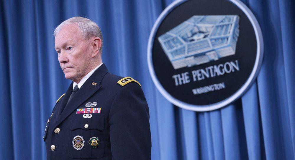 Generał armii USA Martin Dempsey w Pentagonie