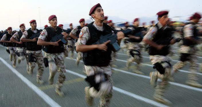 Saudyjskie służby specjalne na defiladzie wojskowej w Mekce