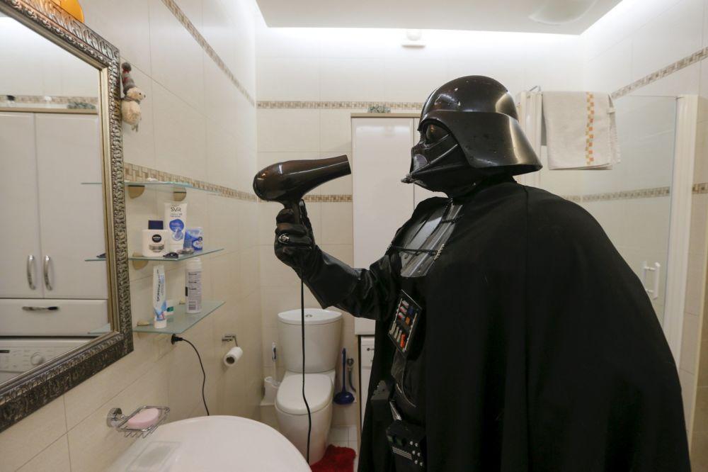 Darth Vader nie ma za wiele do suszenia, ale z suszarki korzysta regularnie.