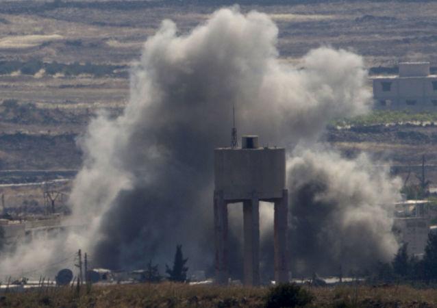 Wybuchy na miejscu walk między siłami lojalnymi i opozycyjnymi wobec reżimu Baszara al-Asada w Syrii