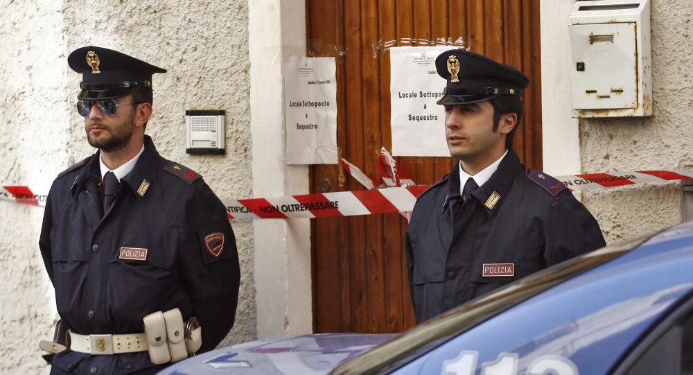 Włoscy policjanci na Sycylii
