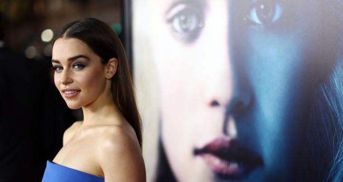 Aktorka Emilia Clarke przybyła na premierę trzeciego sezonu serialu Gra o tron