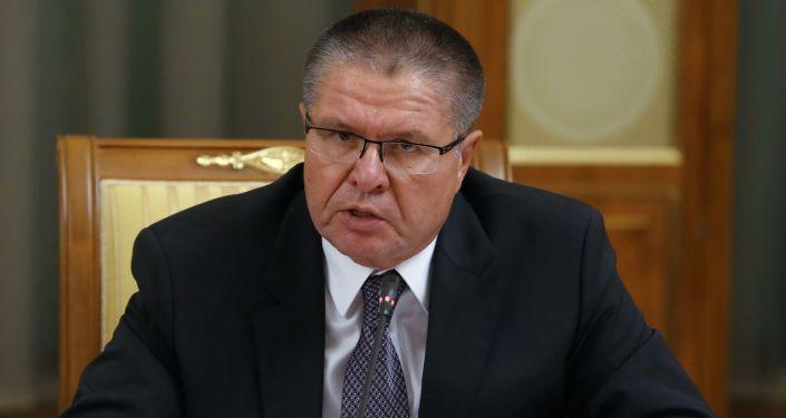 Minister Rozwoju Gospodarczego Rosji Aleksiej Uljukajew na posiedzeniu rady ministrów