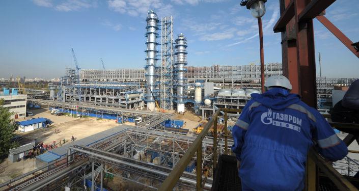 Rafineria koncernu Gazprom Nieft w Moskwie