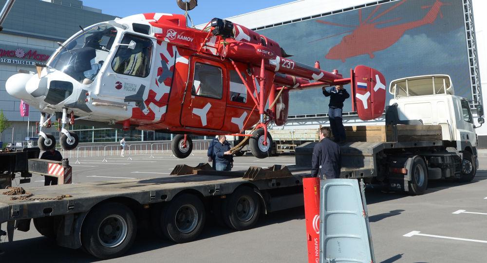 Śmigłowiec Ka-226T przed rozpoczęciem wystawy HeliRussia 2015 w Moskwie