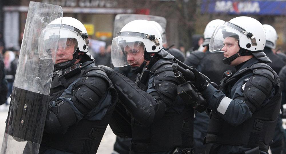 Litewskie siły specjalne na ulicach Wilna