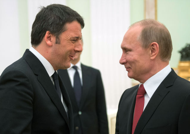 Premier Włoch Matteo Renzi i prezydent Rosji Władimir Putin na Kremlu