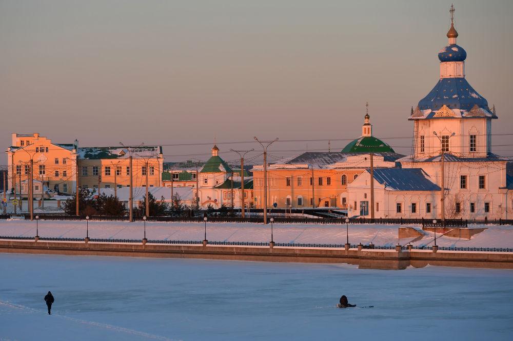 Męski klasztor Trójcy Świętej i Cerkiew Zaśnięcia Matki Bożej w Czeboksarach