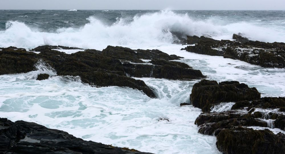 Fale na wybrzeżu Morza Barentsa