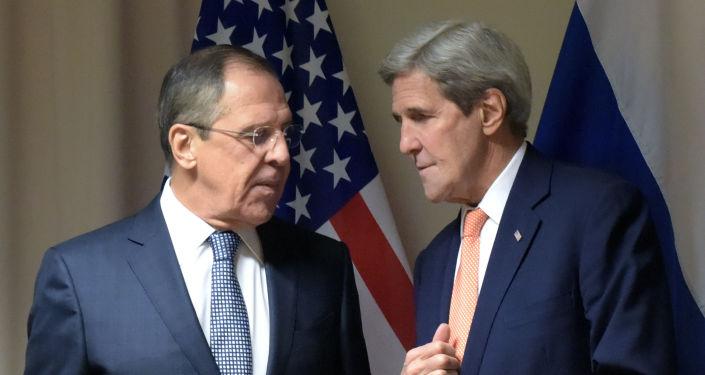 Szef MSZ Rosji Siergiej Ławrow i sekretarz stanu USA John Kerry