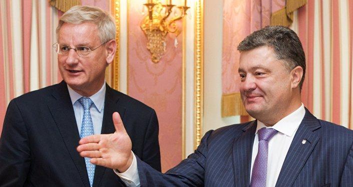 Petro Poroszenko i Carl Bildt
