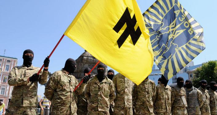 Bojownicy batalionu Azow w Kijowie przed wysłaniem na front Donbasu