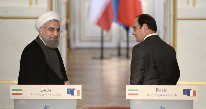 Prezydent Francji François Hollande i prezydent Iranu Hasan Rouhani