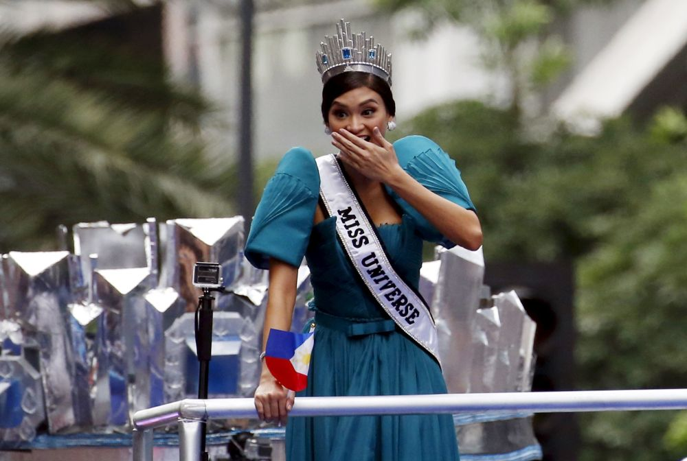 Miss Universe 2015 Pia Alonzo Wurtzbach wita fanów w Manili