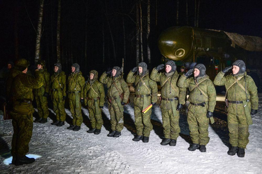 Wojskowi nowosybirskiej formacji rakietowej.