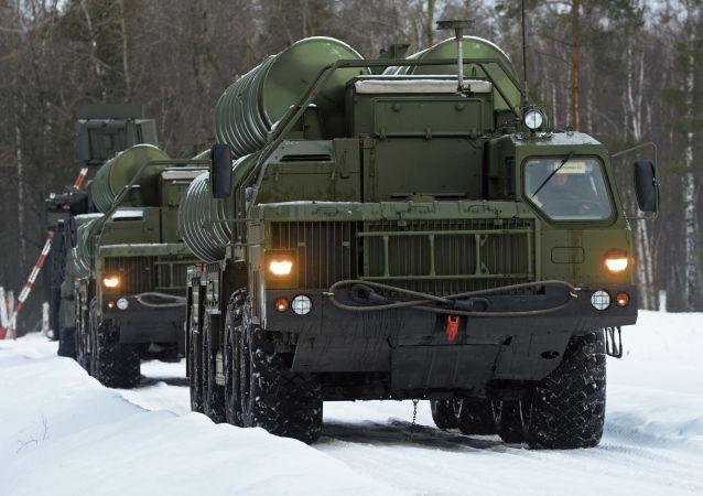 Systemy rakietowe S-400 Triumf
