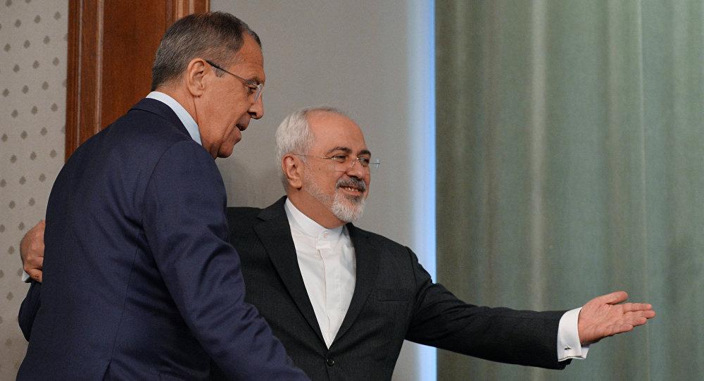 Minister spraw zagranicznych Iranu Mohammad Dżawad Zarif i szef MSZ Rosji Siergiej Ławrow