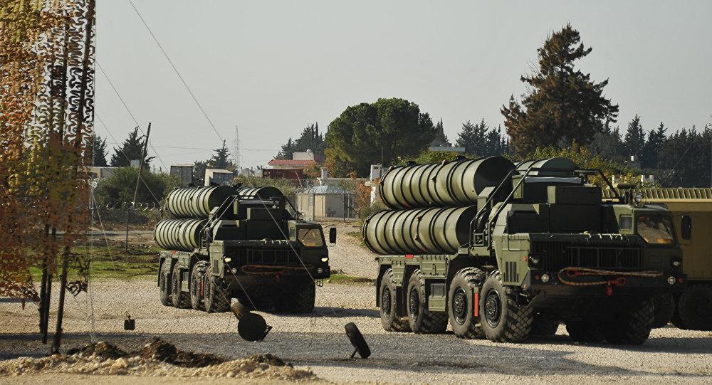Rosyjskie systemu S-400 w bazie Hmeimim w Syrii
