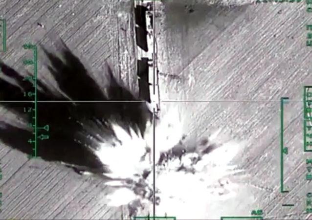 Zniszczenie przez rosyjskie lotnictwo wojskowe w Syrii obiektów infrastruktury terrorystów PI w regionie Aleppo