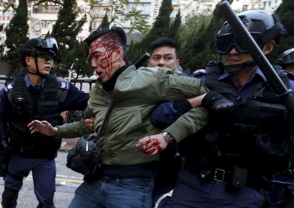 Uczestnik akcji protestacyjnej w Hongkongu