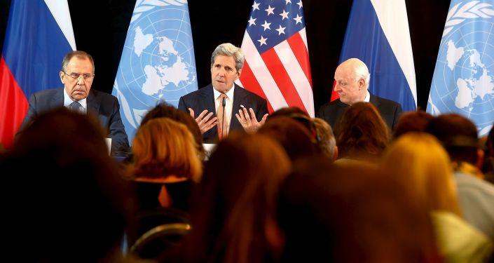 Konferencja prasowa ministera spraw zagranicznych FR Siergieja Ławrowa, sekretarza stanu Stanów Zjednoczonych Johna Kerryego i specjalngo wysłannika ONZ do Syrii Staffana de Mistura po rozmowach ws. Syrii w Monachium