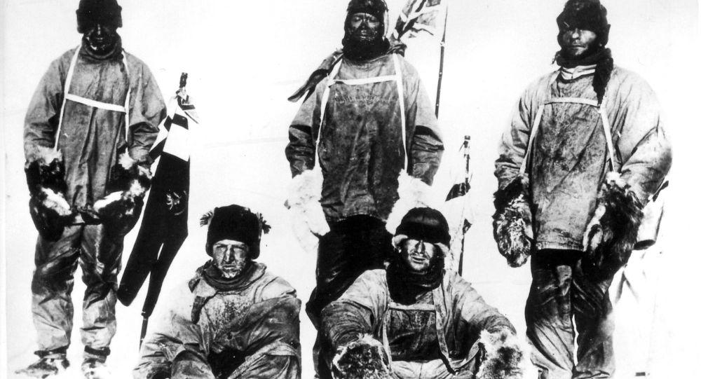 Uczestnicy wyprawy antarktycznej Roberta Falcona Scotta w 1912 roku