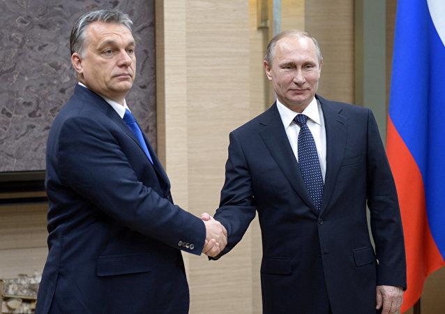 Prezydent Rosji Władimir Putin i premier Węgier Viktor Orbán