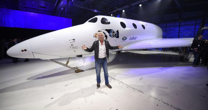 Richard Branson i nowy statek SpaceShipTwo
