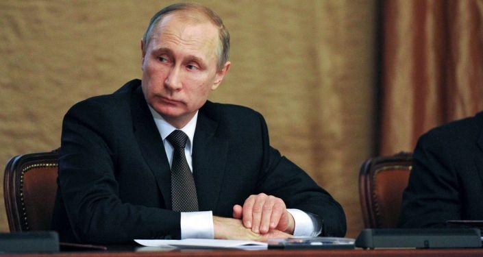 Prezydent Rosji Władimir Putin na posiedzeniu kolegium FSB w Moskwie