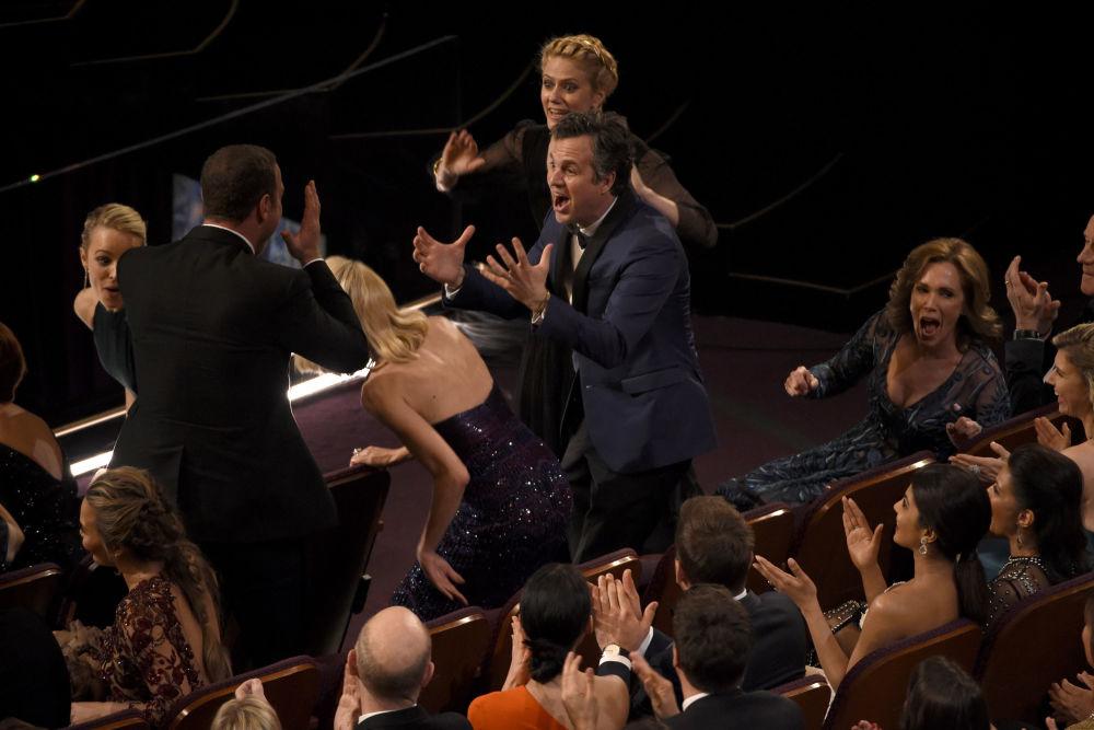 Mark Ruffalo podczas 88. ceremonii wręczenia Oscarów