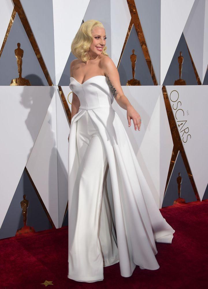 Lady Gaga podczas 88. ceremonii wręczenia Oscarów