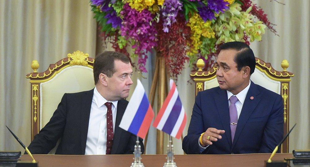 Oficjalna wizyta premiera Dmitrija Miedwiediewa w Tajlandii