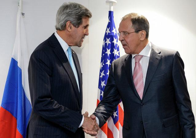 John Kerry i Siergiej Ławrow