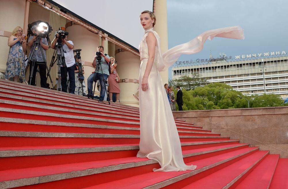 Aktorka Jekatierina Wilkowa podczas ceremonii zamknięcia 26. Rosyjskiego Otwartego Festiwalu Filmowego Kinotawr w Soczi