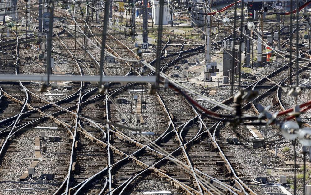 Linie kolejowe w pobliżu stacji Saint-Jean w Bordeaux