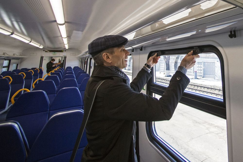 Prezentacja nowego elektrycznego pociągu pasażerskiego