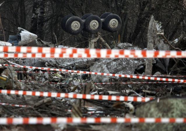 Miejsce katastrofy prezydenckiego samolotu Tu-154 pod Smoleńskiem, 11 kwietnia 2010 r.