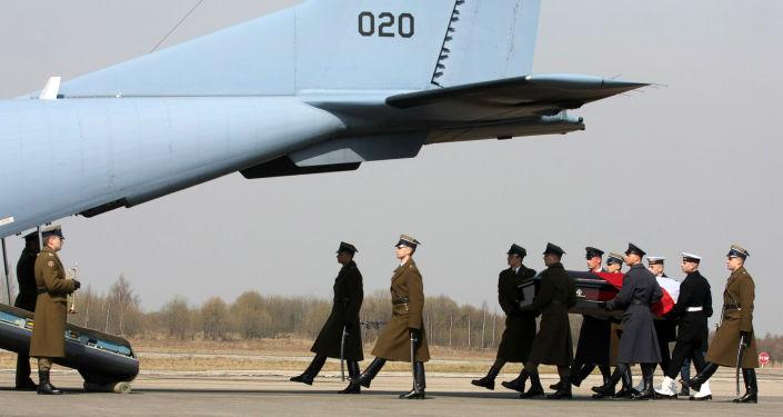 Wysłanie trumny z ciałem prezydenta Lecha Kaczyńskiego do Warszawy