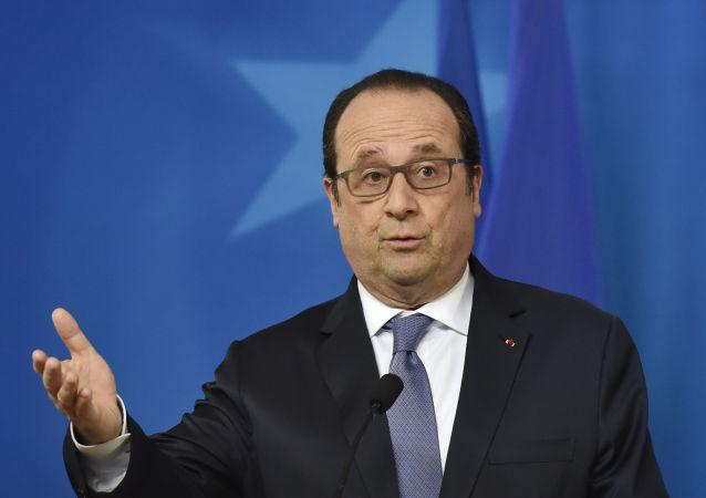 Prezydent Francji Francois Hollande na konferencji prasowej po szczycie przywódców UE i Turcji w Brukseli