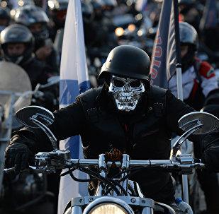 Nocne Wilki na otwarciu moto-sezonu w Moskwie