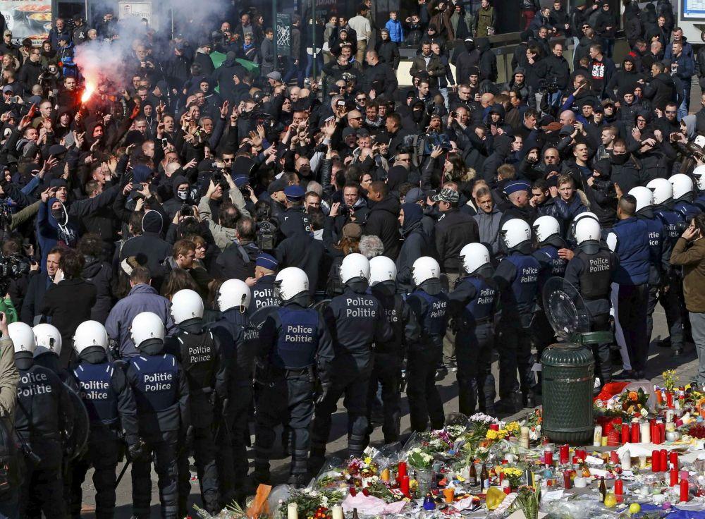 Prostesty przeciwko fali terroryzmu w Brukseli