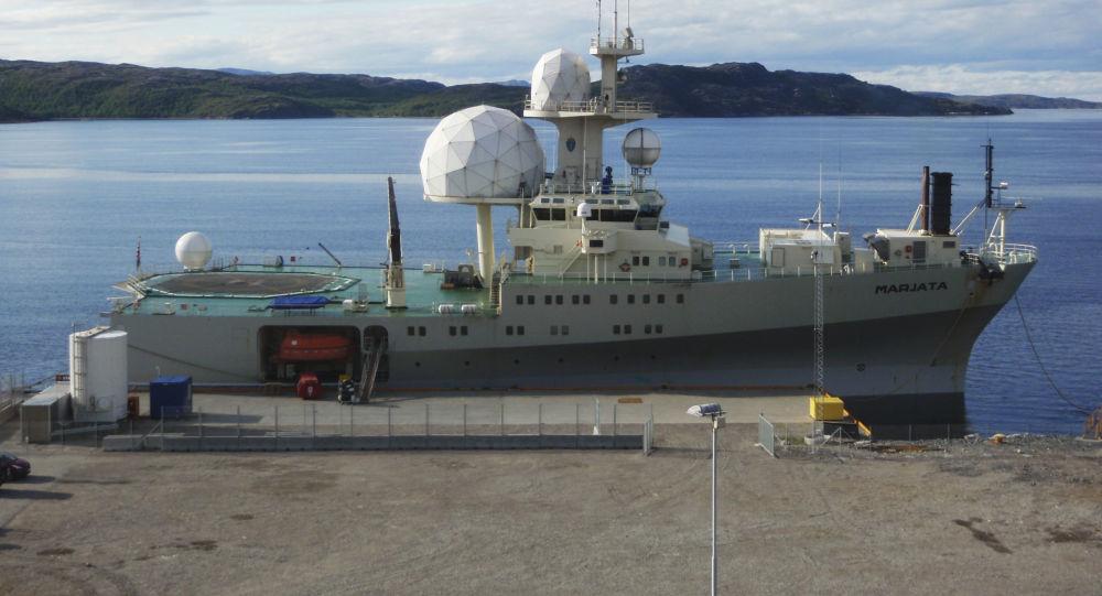 Norweski okręt wywiadowczy Marjata w porcie Kirkenesu