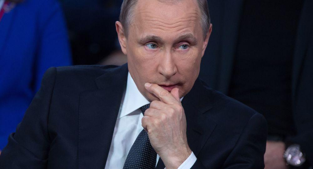 Prezydent Rosji Władimir Putin podczas III forum medialnego Ogólnorosyjskiego Frontu Narodowego Prawda i Sprawiedliwość