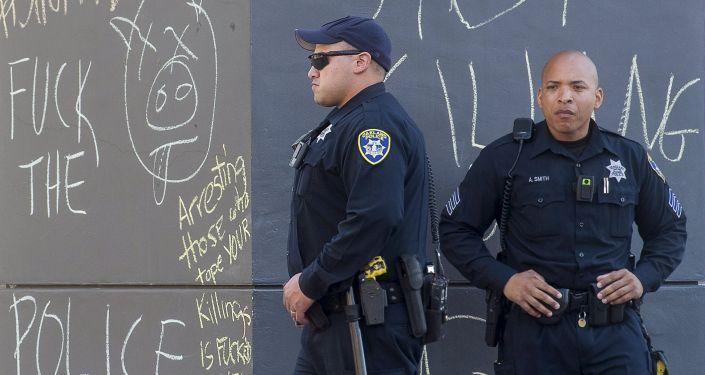 Masowe akcje protestacyjne przeciwko samowoli policyjnej ogarnęły USA