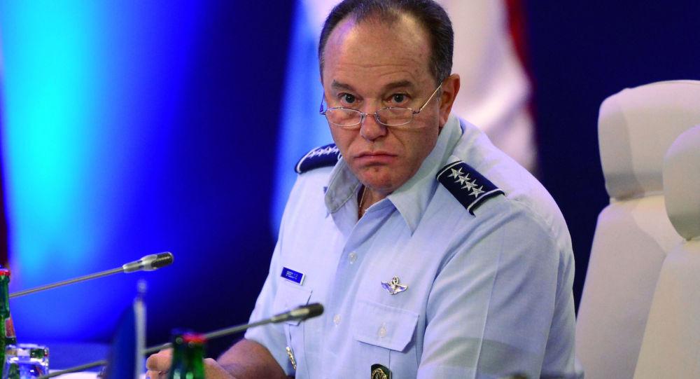Naczelny dowódca połączonych sił zbrojnych NATO w Europie Philip Breedlove