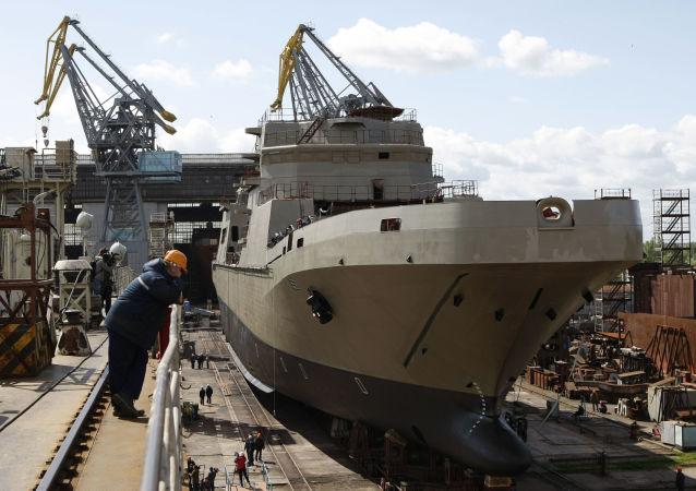 Okręt Iwan Gren w stoczni Jantar