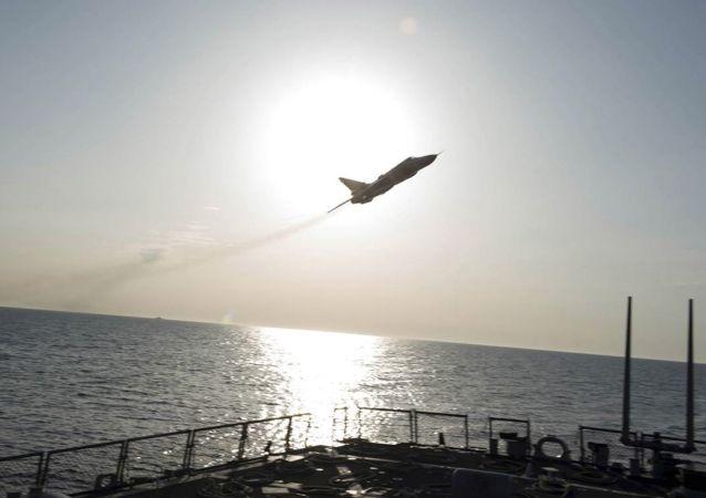 Samolot wojskowy nad niszczycielem USA Donald Cook