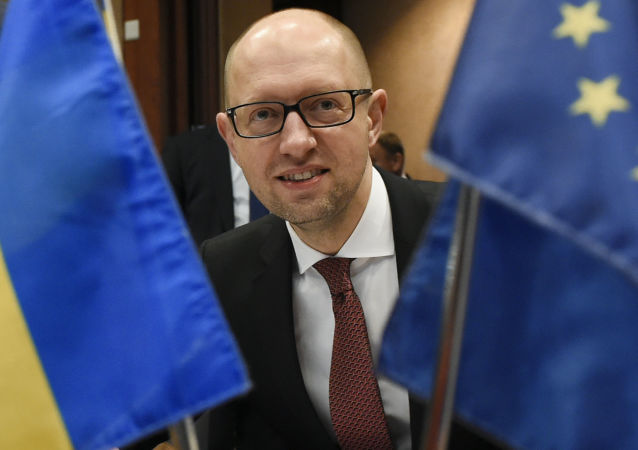 Premier Ukrainy Arsenij Jaceniuk na spotkaniu UE-Ukraina w Brukseli