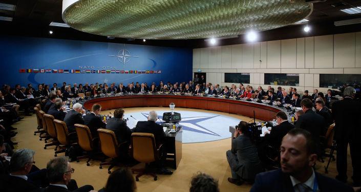 Posiedzenie ministrów spraw zagranicznych NATO w siedzibie NATO w Brukseli
